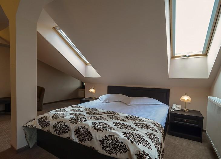 Apartament_mansarda_dormitor1